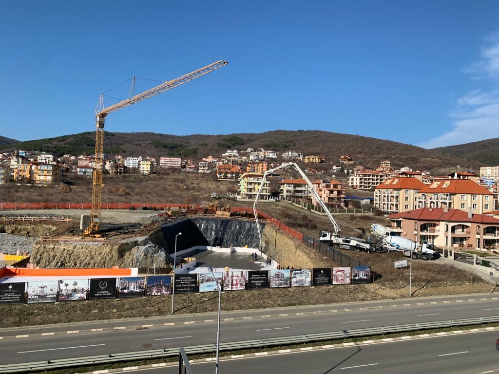 Етап на изграждането на ж.к. Флоренция Гранд Палас в град Свети Влас, България